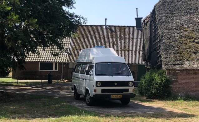 On the road with the nicest Volkswagen T3 camper van Amsterdam!