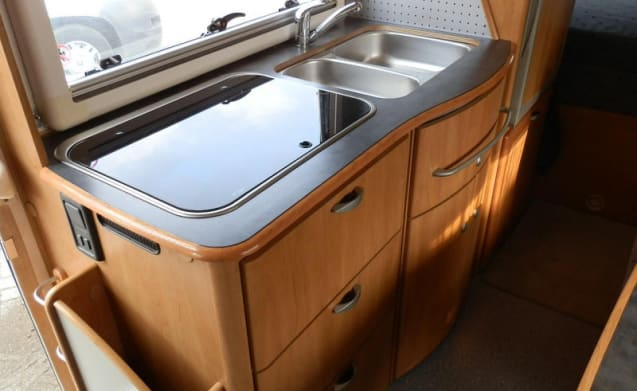Hymer B 654 – Complete Hymer B654 for private rental