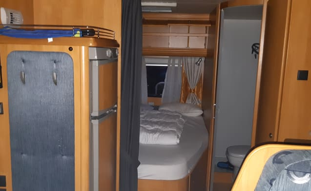 Hobby 650 integral with 4 sleeping places