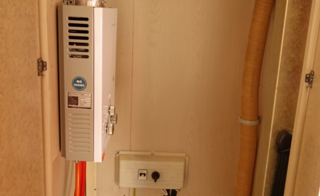 Sehr ordentlich (Klimaanlage) und komplette Wohnmobil