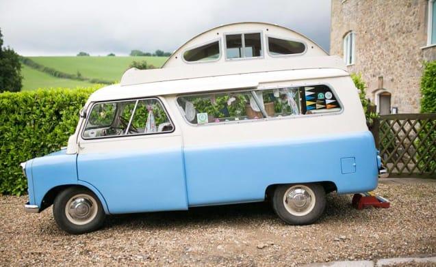 Zeldzame Classic 1961 Bedford Calthorpe Camper Van