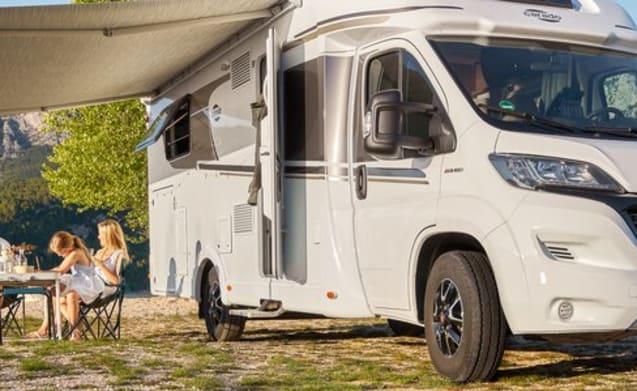 Luxe en complete familie camper uit 2020!