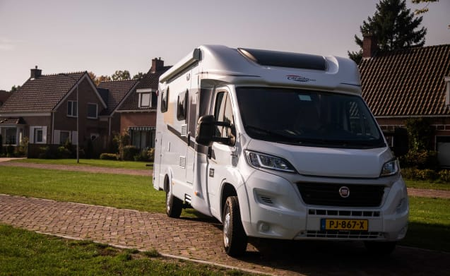 Spacious camper for 3 people, single beds / CSB3