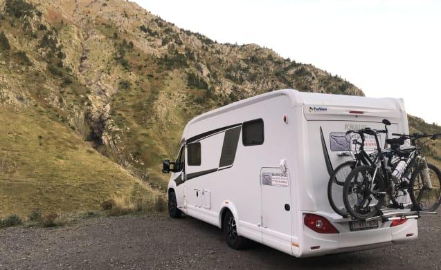 Icarus II – Knaus luxe camper voor 2 personen