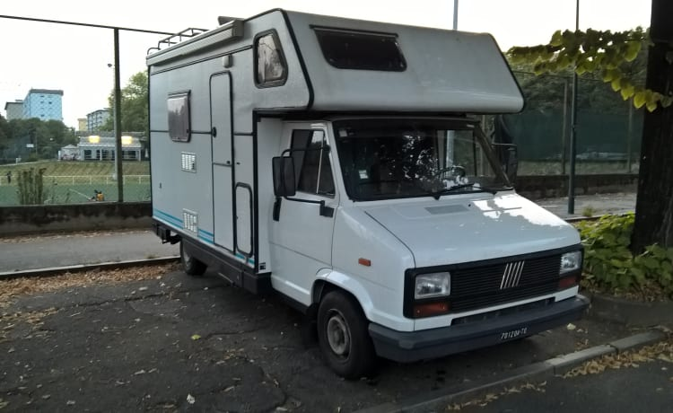 MOmo – The 1984 Adventurer is ready for the most beautiful travel ever