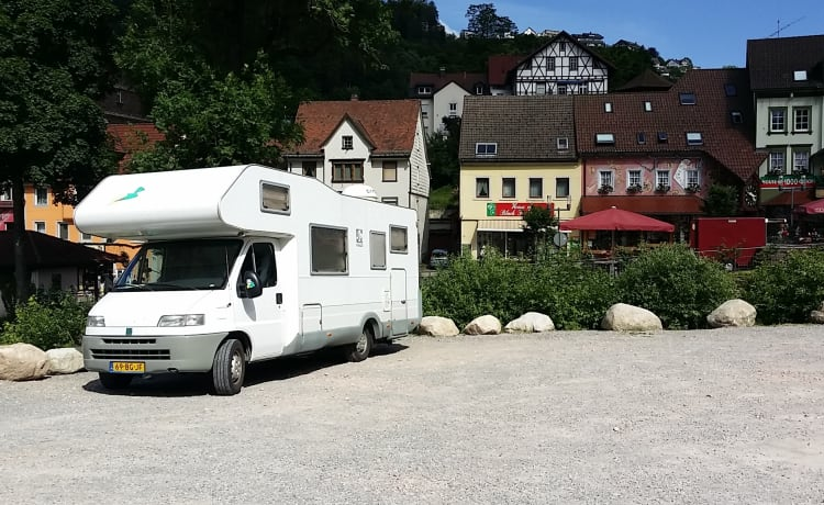 KNAUS TRAVELLER 685HFG – 6-persona camper lussuoso e spazioso