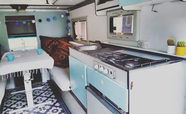 Dodgie – Annata speciale Dodge W200 ambulanza camper