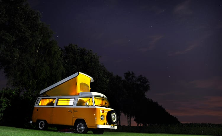 Een van de 6. – Superb VW T2 Westfalia