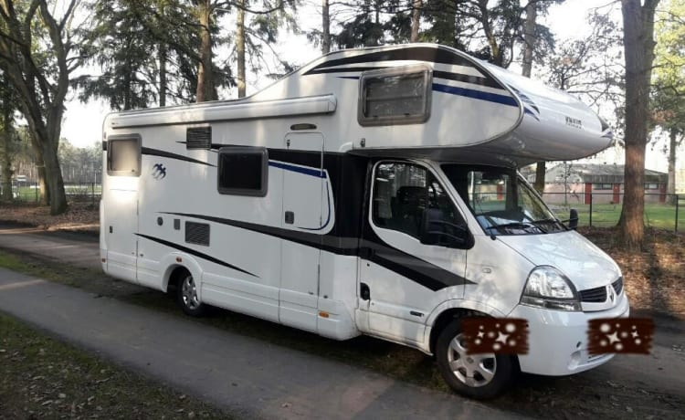 Fully equipped 6 person knaus 700 dg camper