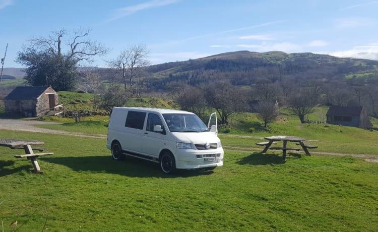 Pearl – Wanderlust on Wheels - modern VW campervan that sleeps 2