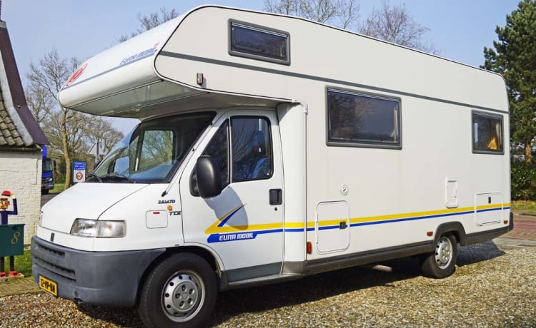 209 Eura Mobil Sport  – Family camper with spacious round seat and 6 sleeping places, with free inventory
