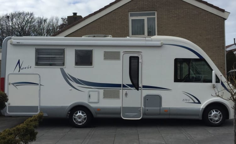 Mclouis – Very spacious Mclouis 876G with ideal layout
