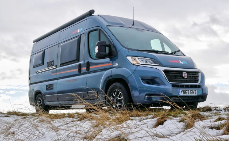 Globescout LWB due berth camper 2018