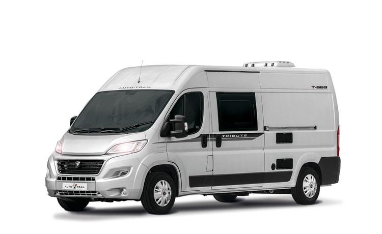 Vehicle 4 – 2-4 slaapplaatsen vlekkeloos 2020-model bedrieglijk ruime camper