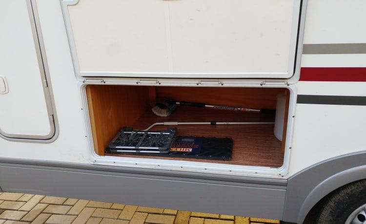 Mooie ruime camper  Adria sport S 680 ST