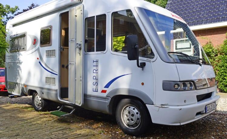 602 Dethleffs Esprit – Super gezellige gezinscamper voor 3 tot 4 personen! Met gratis inventaris.