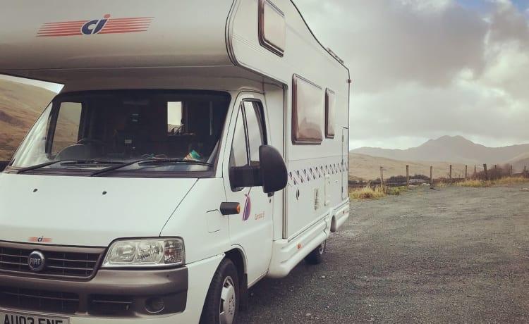 Olive – Fiat CI Carioca 6 Berth Family Adventure Camper