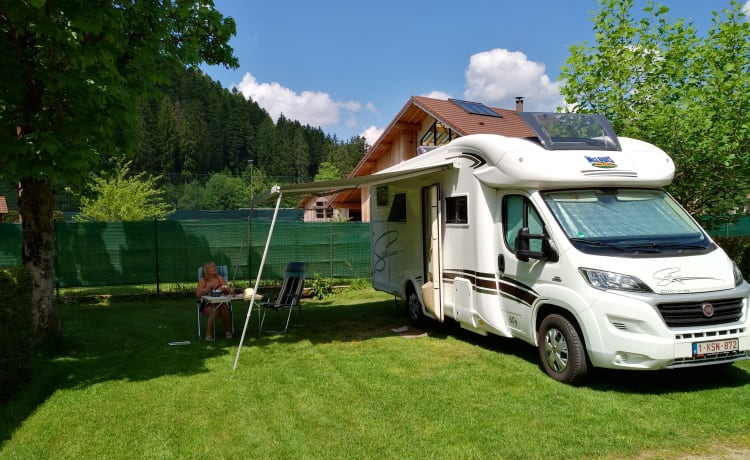 MC Louis MC4 Sovereign – Bella completamente attrezzata MC Louis camper pronto ad andare