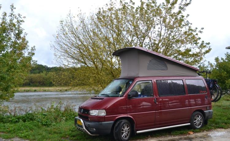 de Roeije – Tough Buscamper 'De Roeije' Volkswagen T4 Westfalia California