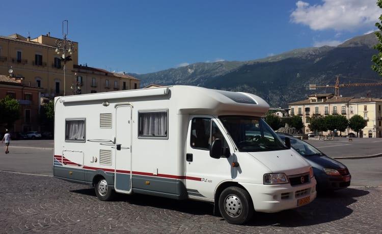Knusse en complete camper, klaar voor avontuur