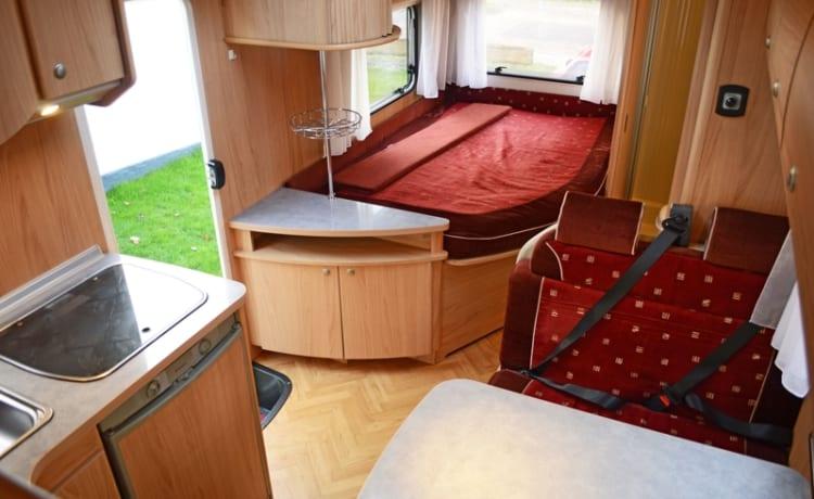 210 Burstner Levanto Ureterp – Leuke 6 persoons familiecamper met vast Frans bed en complete inventaris