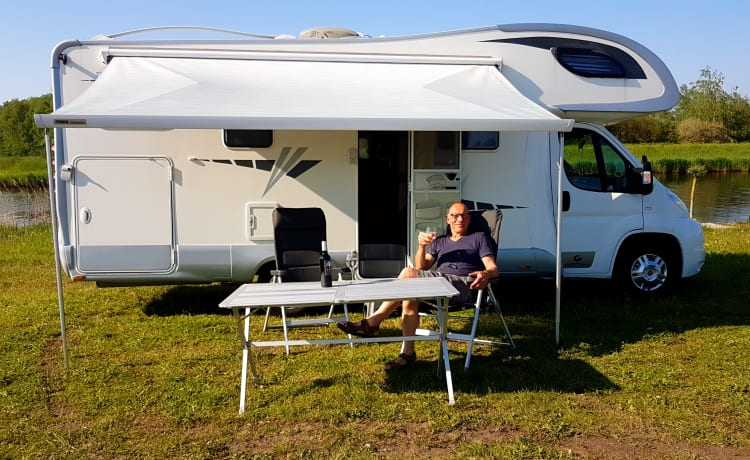 Giotti – Very spacious family camper with every conceivable comfort