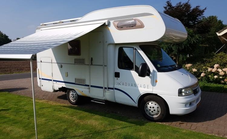 Vrijheid is nu te huur!! Mooie camper Dethleffs voor 4 personen.