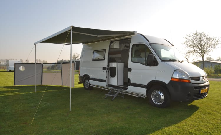 Fully equipped 2-person Renault camper bus with bed up to 175 x 205 cm