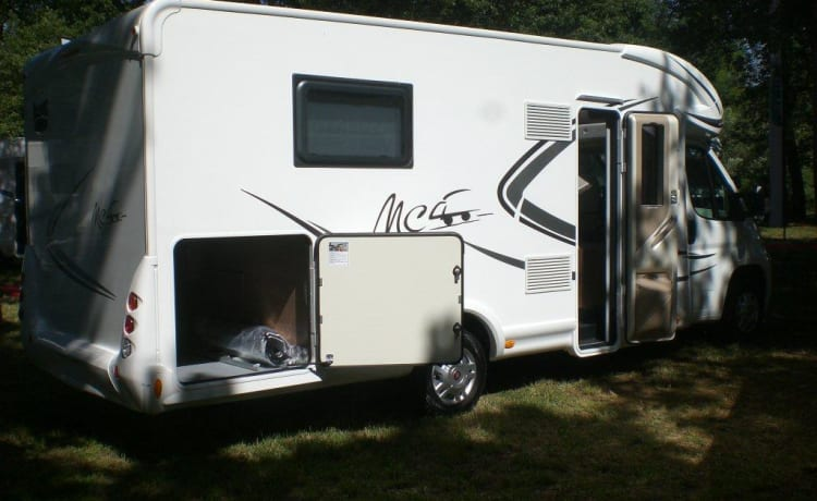 Camper McLouis