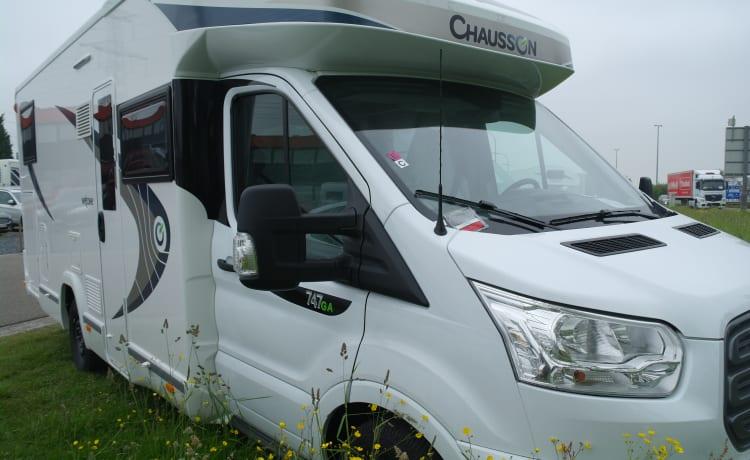 Chausson 711 – Luxueuze motorhomes Chausson 711