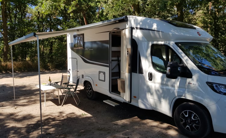 Fantastic luxury camper from 2018.
