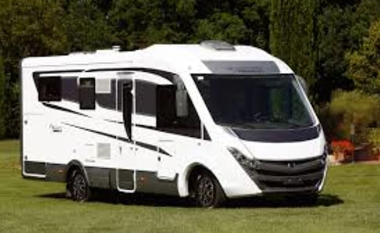 MANUELA – NEW MOTORHOME CAMPER FOR 4 PEOPLE