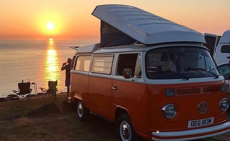 Blossom – Klassieke VW Camper Van huren in Cornwall
