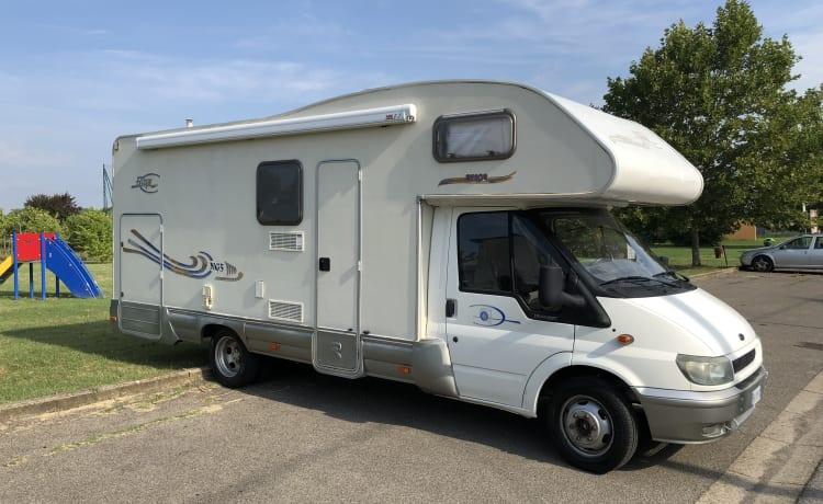 Camper huur 6 plaatsen met garage