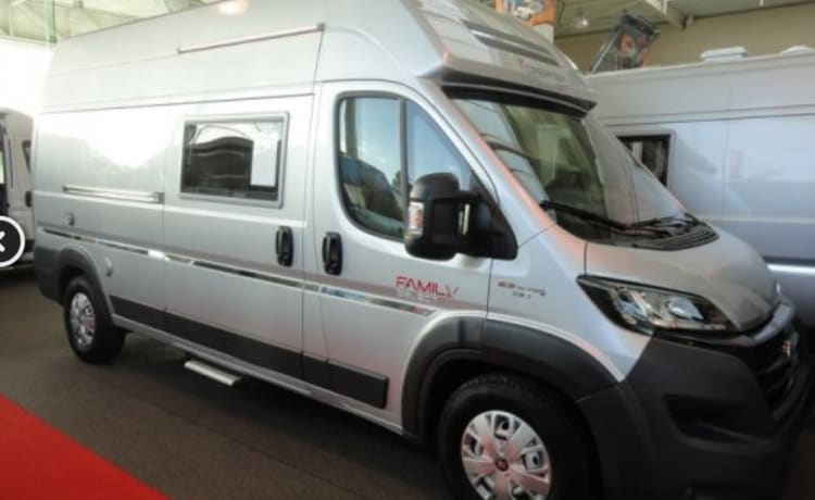 NEW motorhome Van Dreamer Family 5 to 6 people, for rent, Ypres, free wifi