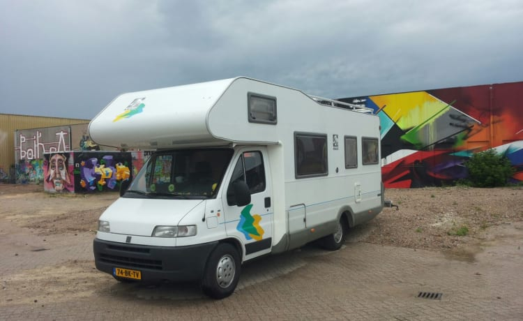very neat 6 person knaus 2.5tdi motorhome if necessary bike carrier