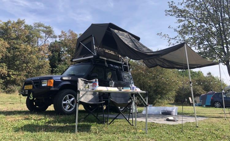 Ted – Avventura fuoristrada di Land Rover Discovery II con tenda da tetto Jimba Jimba