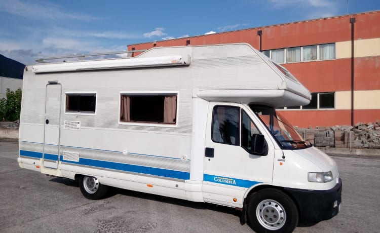 Very spacious and habitable camper suitable for families with children