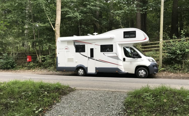 Dixie – Luxury Motor Home for Family and Friends