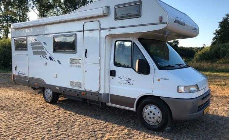 Comfortabele en nette Hymer (gezins)camper!