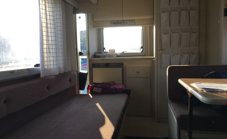 Unlucky – Very affordable camper for rent for 5 people!