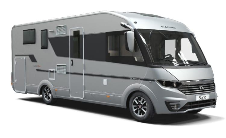 Adria Sonic Plus I 700 met Queensbed en hefbed – New very luxury integral camper, Adria Sonic
