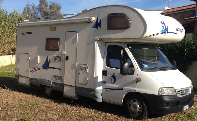 Mironoleggio – Camper verhuur 6 plaatsen met garage