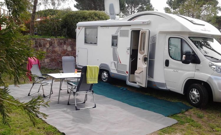 Roller Team T-line XLM – Cozy, modern and neat motorhome for bon vivants