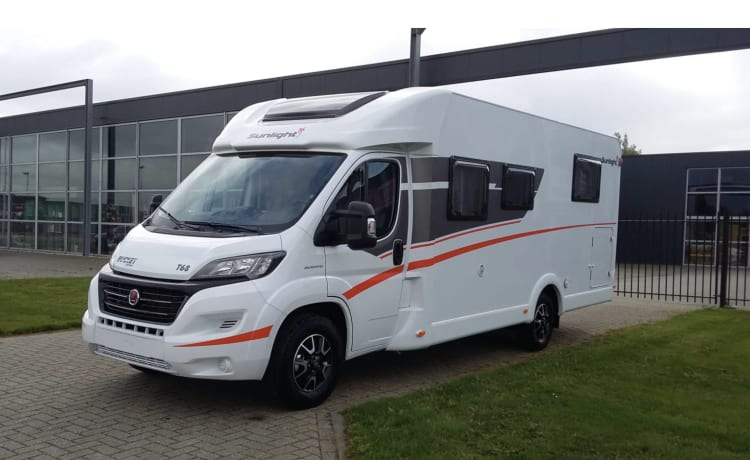 Sunlight T68, 2019. Single beds, fold-down bed, large garage, Navigation