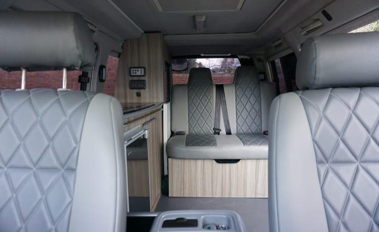 Bonnie – Mazda Bongo Camper