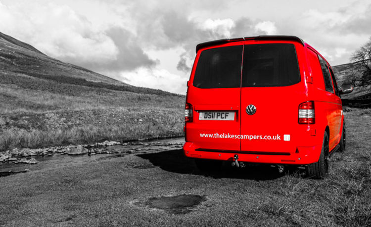 Ronnie Red Bus – Ronnie Red Bus VW T5 Camper Van
