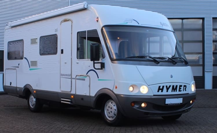 Spacious 4 person Hymer