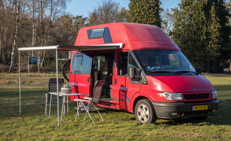 NUGGET – WESTFALIA NUGGET with shower and toilet. 5 pers.