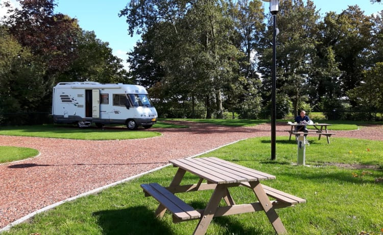 Eigen Hymer  – Living outside, that's where you become outdoor 🌞 (pick-up location: Ardennes)